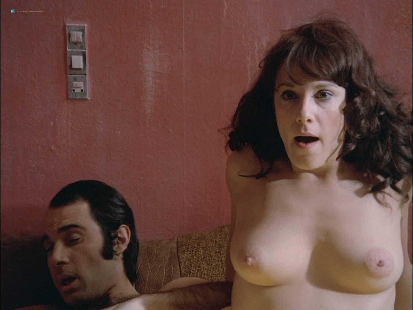 Bernadette Lafont nude - Une belle fille comme moi (1972)