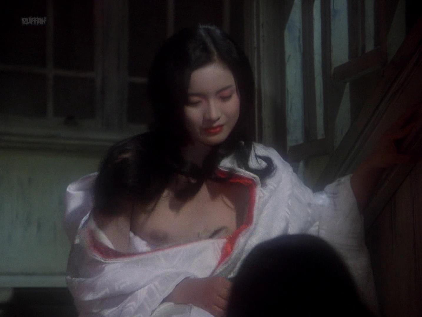 Kimiko Ikegami nude, Yoko Minamida nude, Ai Matsubara nude - Hausu (1977)